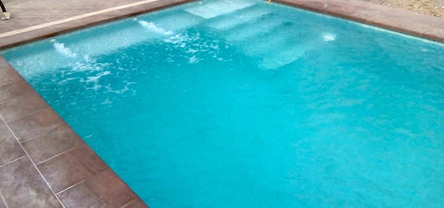 Articulos de piscinas stunning piscinas en comarruga for Articulos para piscinas