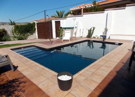 Empresa de construcci n de piscinas de hormig n en malaga for Construccion de piscinas de hormigon