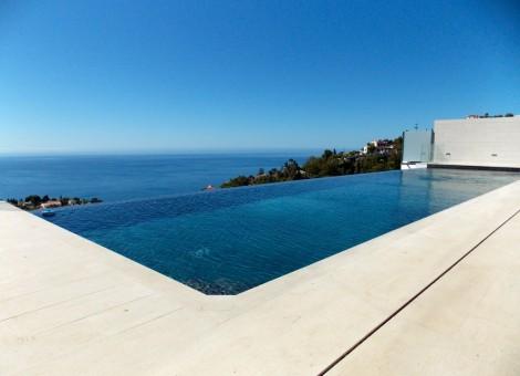 Construcción de infinity Pool en Granada