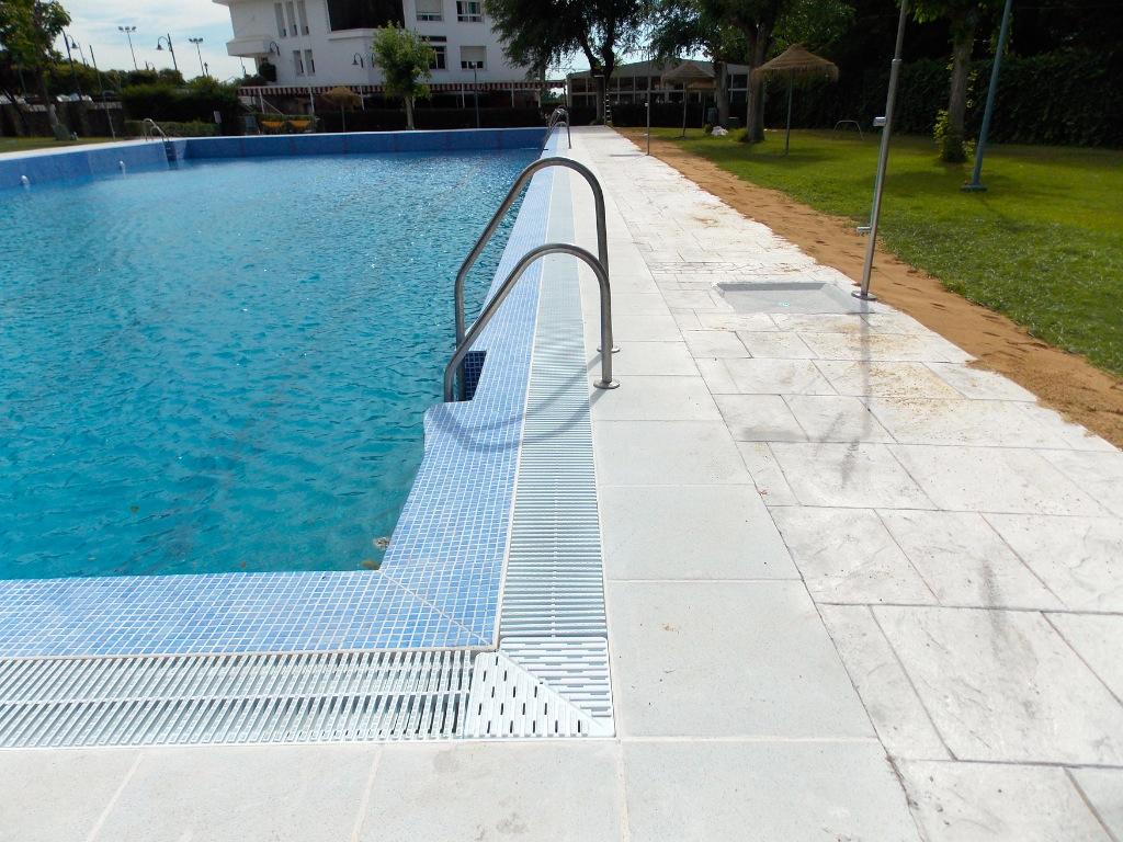 Empresa para la construcci n de piscina p blica en granada for Piscinas granada