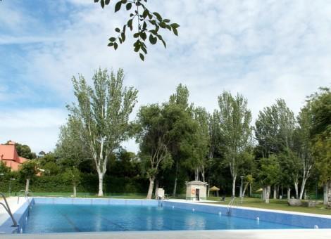 Trabajo realizado de piscina de uso público en Granada