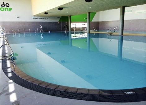 Construcción de piscinas cubiertas públicas en Granada