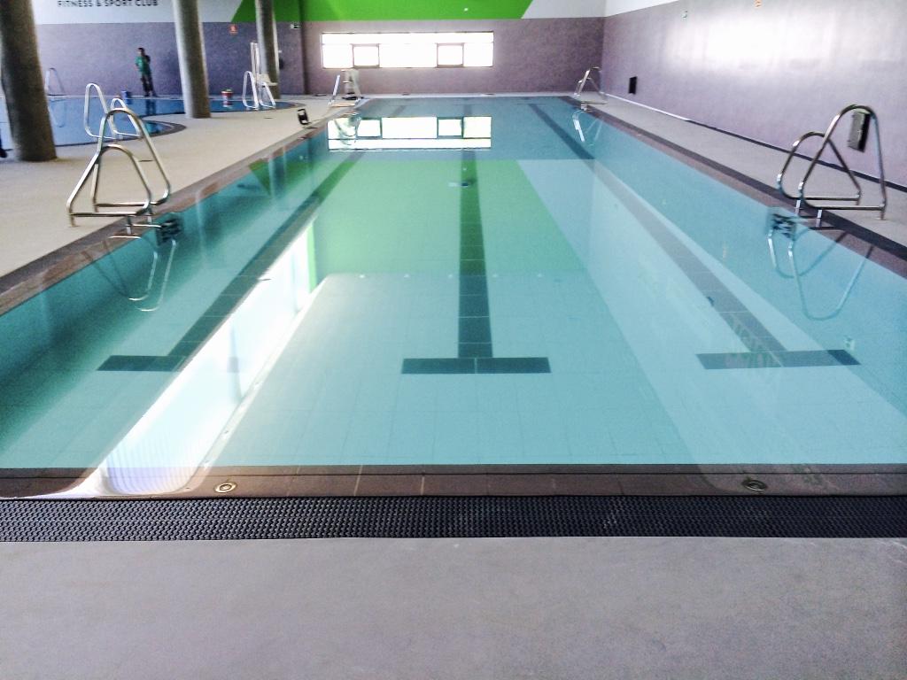 Empresa para la construcci n de piscina p blica en granada for Construccion de piscinas en granada